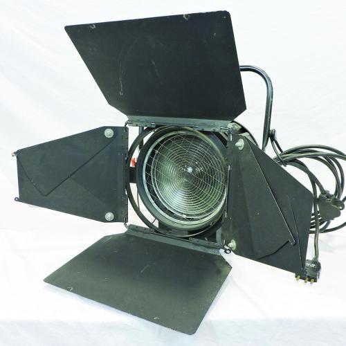 """Stand Lighting 2000w Fresnel 10"""" Lens"""
